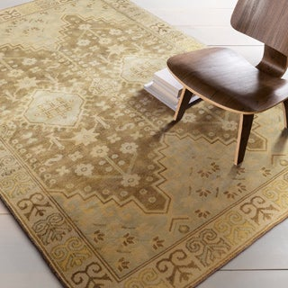Hand-Knotted Alondra Border New Zealand Wool Rug (5'6 x 8'6)