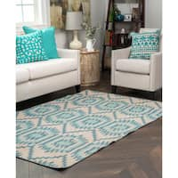 Kosas Home Antonia Indoor/ Outdoor Recycled Plastic Kilim Rug - 2' x 3'