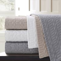 Echelon Home Echelon Laguna Quilted Cotton Coverlet