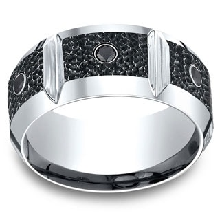 Cobalt Men's 1/5ct TDW Black Diamond Horizontal Groove Blackened Hammer 10mm Ring