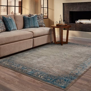 Faded Traditional Blue/ Beige Area Rug (6'7 x 9'6)