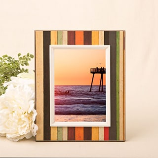 "Distressed Wood Look Vertical Striped Frame for 4"" x 6"" photo"