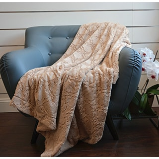 De Moocci Faux Fur Soft Throw
