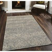 Hand-tufted Saint Thomas Silver Sand Blended New Zealand Wool and Art Silk Rug - 7'6 x 9'6