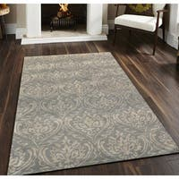Hand-tufted Saint Thomas Silver Sand Blended New Zealand Wool and Art Silk Area Rug (8' x 11') - 8' x 11'