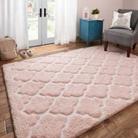 Hand-tufted Riley Blush/ Ivory Trellis Dots Shag Rug (5' x 7')