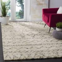 Safavieh Handmade Casablanca Ivory / Grey New Zealand Wool Rug - 8' x 10'