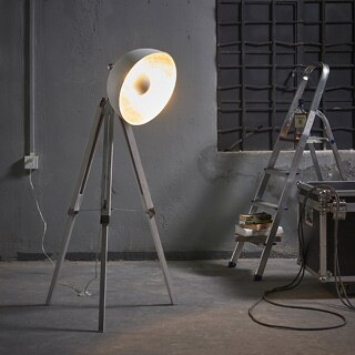 Teamson Versanora - Fascino White Copper/Metal/PVC/Plastic Tripod Floor Lamp