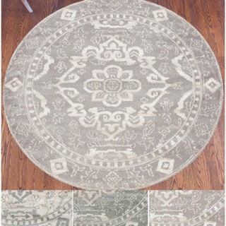 Catherine Ivory/Grey/Green Olefin Medallion Area Rug (5'3 Round)