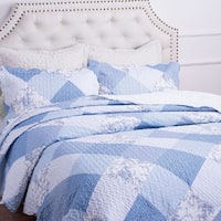 Printed Blue and White Floral Patchwork Plaid Meadow 3-piece Quilt Set with Shams by Bedsure