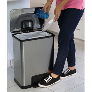 Halo Halo 13 Gallon AirStep Step Trash Can With Stabilizing Bar