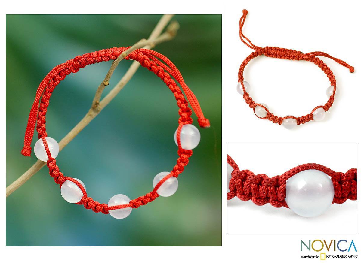 Handmade Chalcedony 'Peace and Good Fortune' Macrame Bracelet (India)