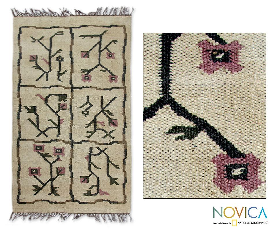 Handcrafted  'India Bouquet' Beige Jute Rug (2.5x4.5) (India)