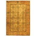 Safavieh Handmade Classic Antiquity Coral Wool Rug - 5' x 8'