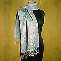 Hand-woven Wool 'Rose Delight' Shawl (India)