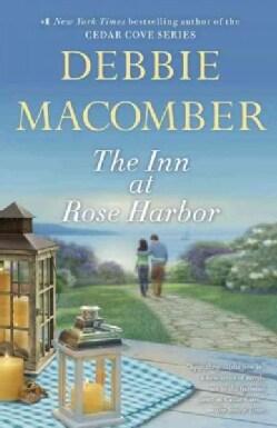 The Inn at Rose Harbor (Paperback)