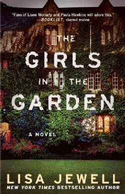 The Girls in the Garden (Paperback)