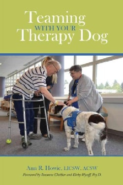 Teaming With Your Therapy Dog (Paperback)
