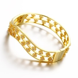 Vienna Jewelry Gold Plated Surrounding Crystal Studs Bangle