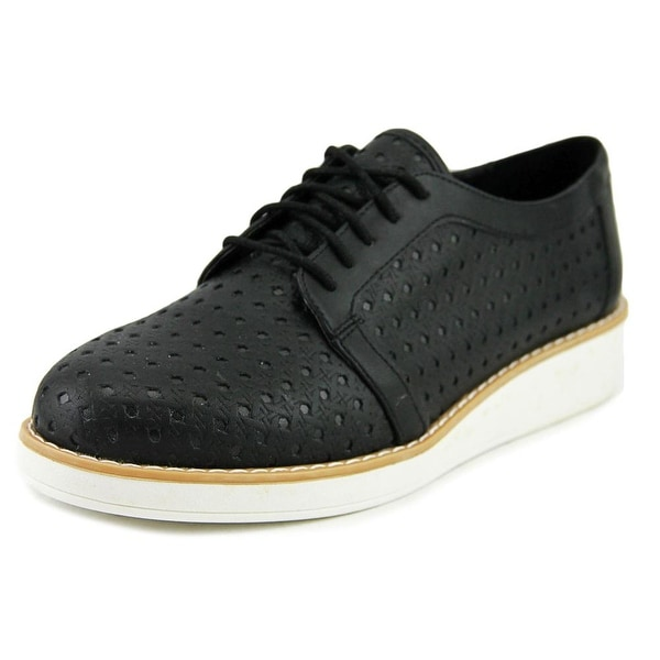 Fergalicious Everly Women Black Oxfords