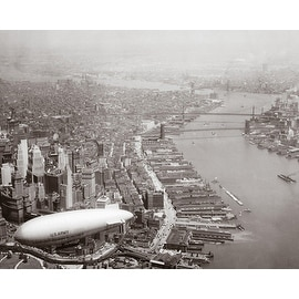 ''Army Blimp Over Lower Manhattan, 1928'' by McMahan Photo Archive New York Art Print (8 x 10 in.)
