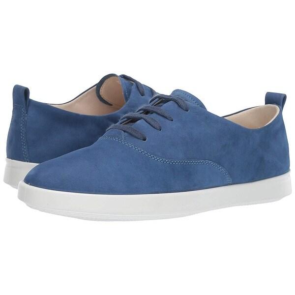 Leisure Tie Sneaker
