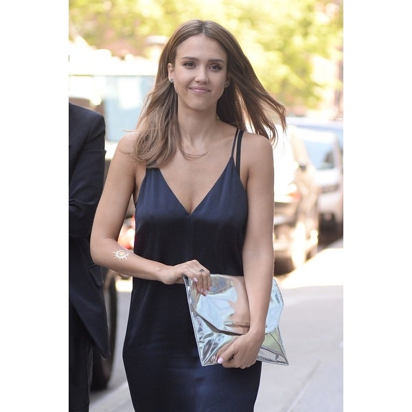Jessica Alba - Beautiful Candids out in Beverly Hills