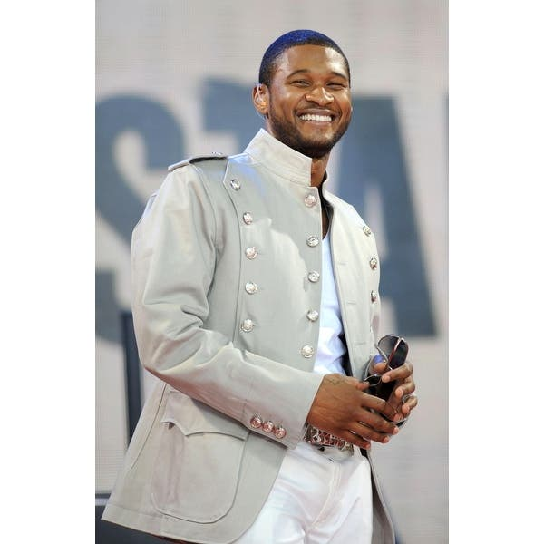 Shop Usher On Stage For Abc Gma Concert With Usher Bryant Park New York Ny May 30 2008 Photo By Kristin Callahaneverett Collection Ce Overstock 24405964