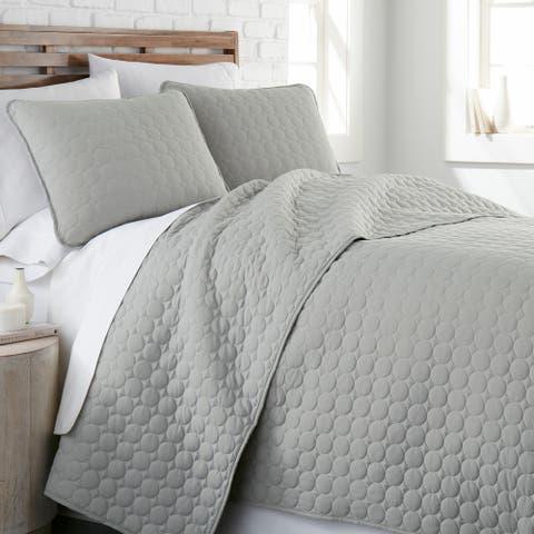 Vilano Ultra-Soft Lightweight 3-piece Quilt and Sham Set
