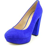 GUESS Womens PADEY Leather Closed Toe Platform Pumps