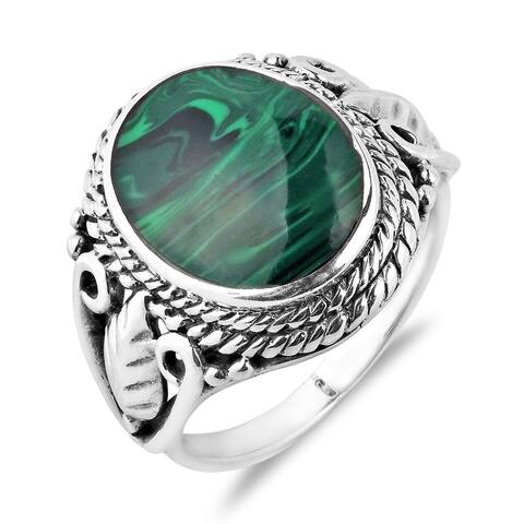 Handmade Vintage Inspired Round Stone Sterling Silver Ring (Thailand)