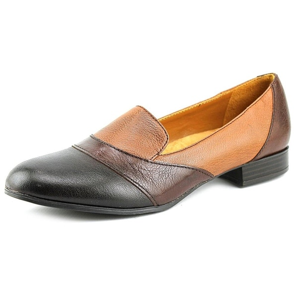 Naturalizer Coretta Women  Round Toe Leather  Loafer