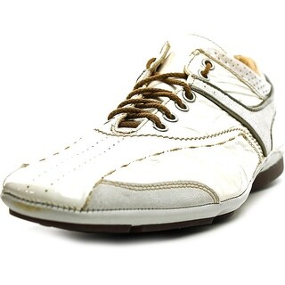 Barracuda Verbian Round Toe Patent Leather Sneakers