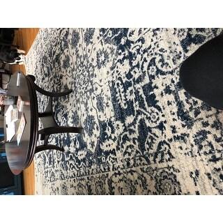 Safavieh Madison Vintage Snowflake Medallion Cream/ Navy Rug - 8' x 10'