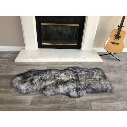 Dynasty Natural 1-1/2 Pelt Luxury Long Wool Sheepskin White with Black Tips Shag Rug - 2' x 4'