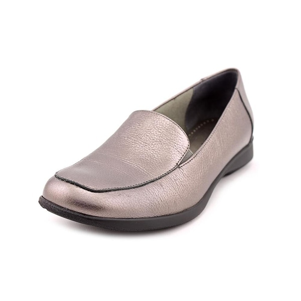 Trotters Jenn N/S Apron Toe Leather Loafer