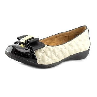 White Mountain Motel Round Toe Synthetic Flats