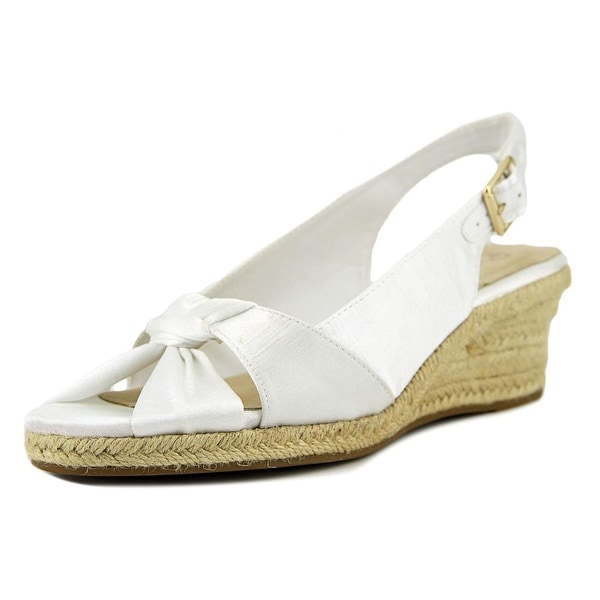 Bella Vita Seraphina II White Sandals