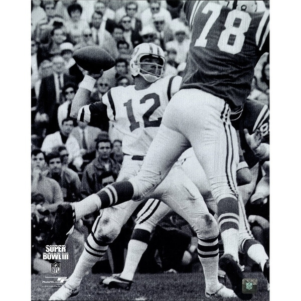 brand new 6ab81 794b6 Joe Namath Throwing BW Vertical 16x20 Photo