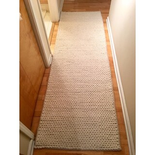 nuLOOM Handmade Casual Braided Wool Off-white Runner Rug (2'6 x 8')