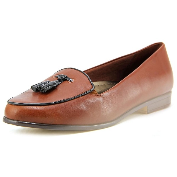 Trotters Leana Women N/S Round Toe Leather Brown Loafer