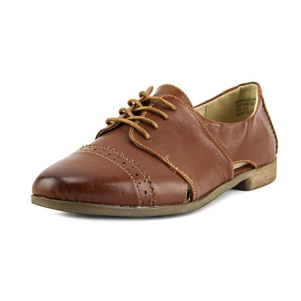 Restricted Becca Round Toe Leather Oxford