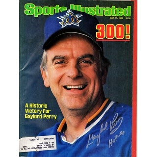 "Gaylord Perry Signed Seattle Mariners ""300"" 05-17-82 Original Sports Illustrated Magazine w/HOF'91"