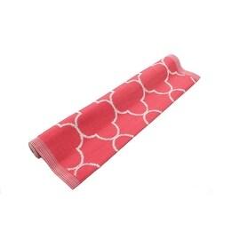 4' x 6' Basic Luxury Dark Pink and White Quatrefoil Design Outdoor Area Throw Rug