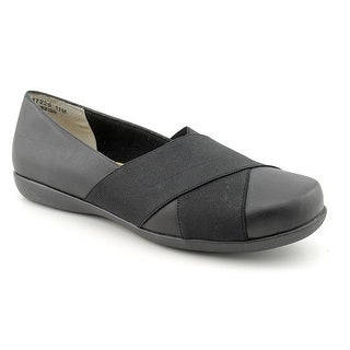 Ros Hommerson Free Women Round Toe Leather Loafer