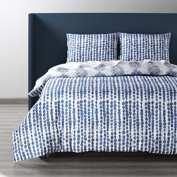 Exclusive Fabrics Tahiti Blue Cotton Percale Printed Reversible Duvet Cover Set. Opens flyout.