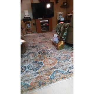 Safavieh Madison Bohemian Vintage Cream/ Multi Distressed Rug - 9' x 12'
