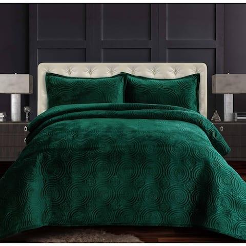 Capri Medallion Velvet Oversized Solid Quilt Set
