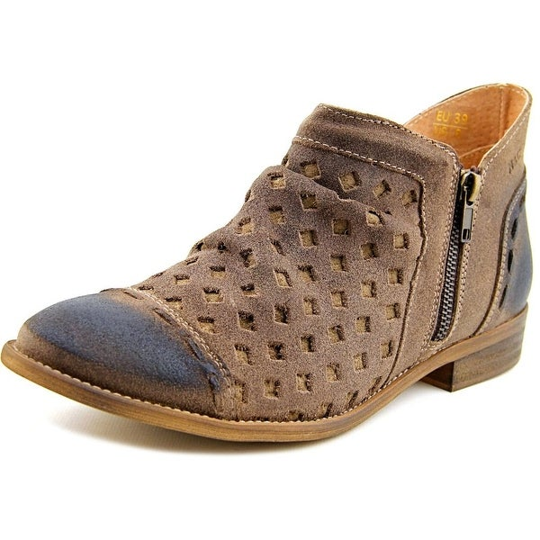 Musse & Cloud Cnytia Women Round Toe Leather Brown Bootie