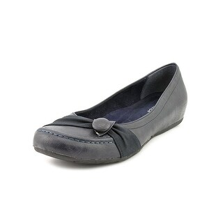 Easy Street Cam Round Toe Synthetic Flats